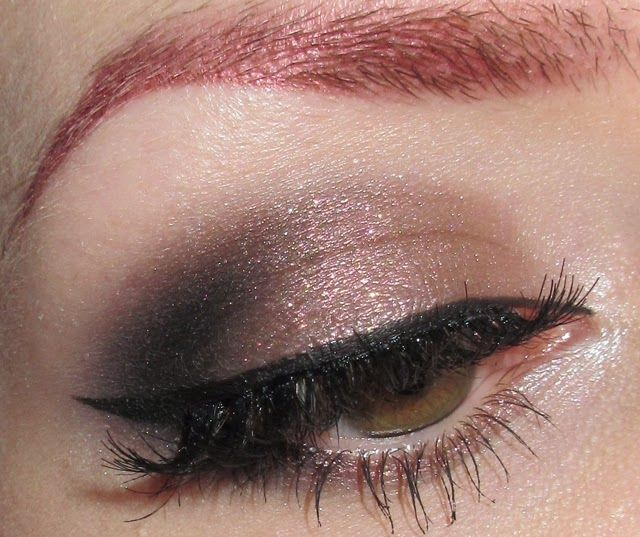 Glitter is my crack...: Sparkly Taupe Eye Makeup Look