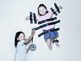 Creative Dad Takes Crazy Photos Of Daughters . LOVE IT!    Are you tired of posed, boring and alays regular cheesy family portraits, then take a look at these incredibly creative pictures taken by Jason Lee.