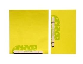 """Quaderni con copertina in carta Sirio Color Denim e interni a contrasto. Stampati uno ad uno con una vecchia Heidelberg """"Stella"""" e rilegati a mano con una stecca di legno."""