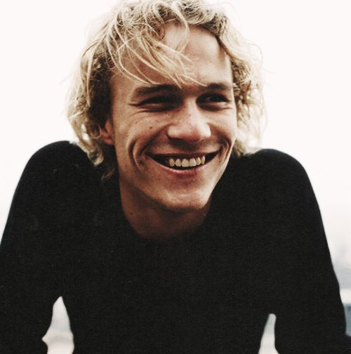 heath ledger :)                                                                                                                                                                                 Más