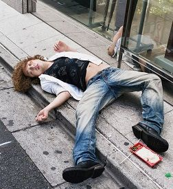 Photos: How People Drink In Japan & Collapse In Broad Daylight