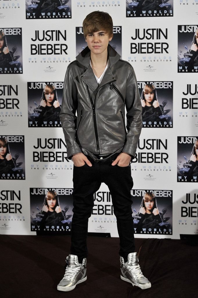 "Singer Justin Bieber attends ""My Worlds The Collection"" photocall at Urban Hotel on November 29, 2010 in Madrid, Spain."