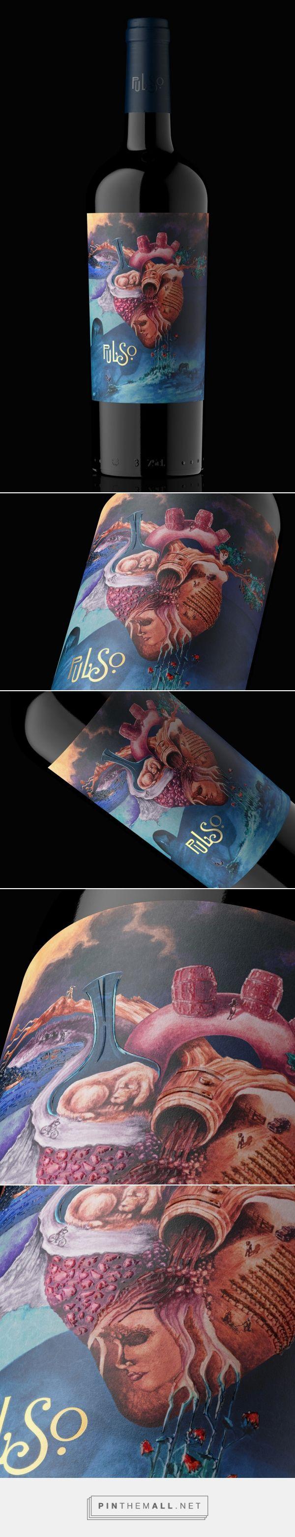 PULSO wine label design by ZARATE · INSA | design studio - http://www.packagingoftheworld.com/2017/08/pulso.html