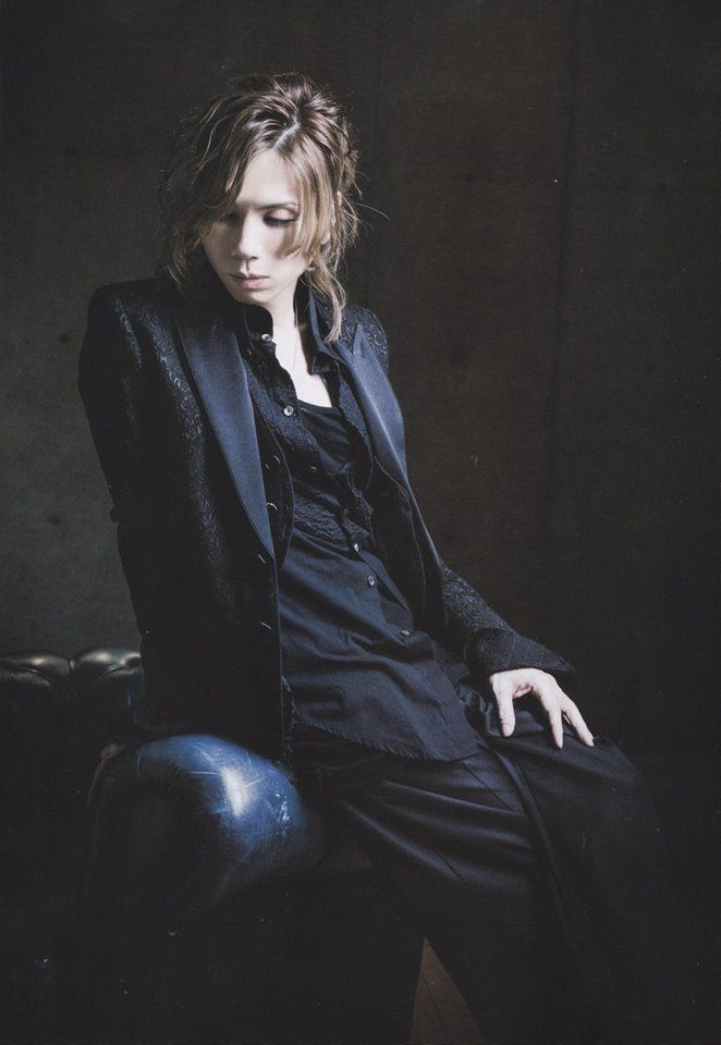 Acid Black Cherry >> his voice is gold ♥
