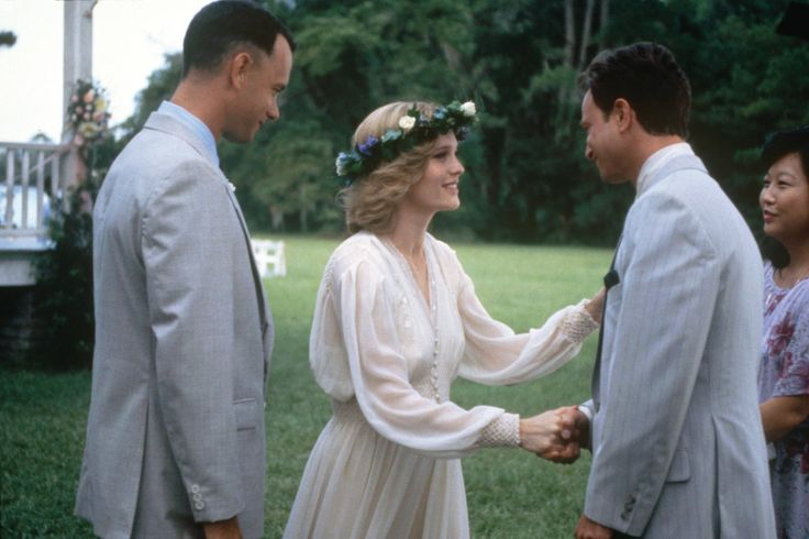 forrest gump marxist and feminist analysis Conclusion to sum up, mrs gump and jenny, the two females who relate to the protagonist forrest gump, have been mostly examined with the mechanism of feminist discourse in the article.