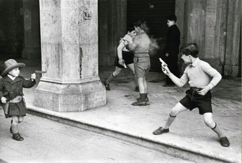 Rome 1951: Plays Cowboys, Children Plays, Henry Cartier Bresson, Kids Photo, Rome Italy, Henricarti Bresson, Henry Cartierbresson, Vintage Kids, Street Photography