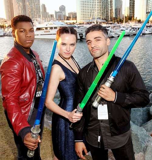 John Boyega, Daisy Ridley, Oscar Isaac and more than 6000 fعجans enjoyed a surprise 'Star Wars' Fan Concert performed by the San Diego Symphony, featuring the classic 'Star Wars' music of composer John Williams, at the Embarcadero Marina Park South on July 10, 2015 in San Diego, California.