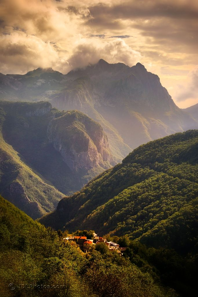 photo  credit: JimDeLutes pinned by Cachia Design.  The Garfagnana  in Northern Tuscany. The views will take your breadth away.