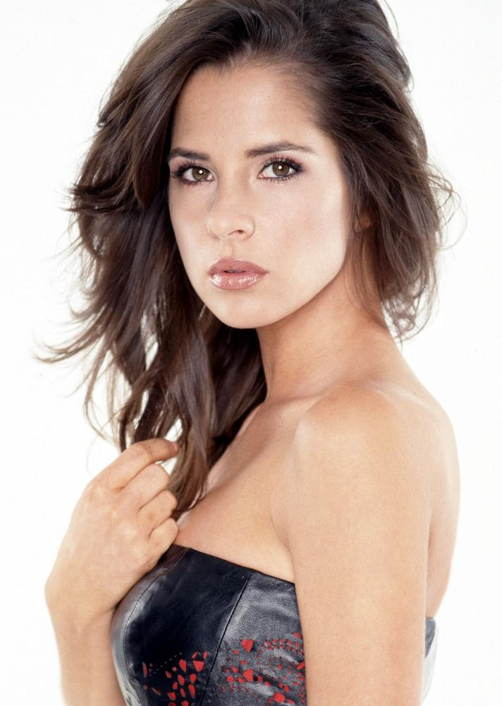 {kelly monaco} first saw her on dancing with the stars, and she got me into general hospital! (: