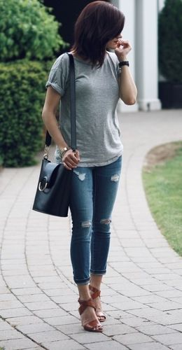 Keep your look effortlessly chic, like @woahstyle. Pair our soft cotton short sleeve tee with distressed jeans and strappy heels for a effortlessly chic weekend ready look | Banana Republic