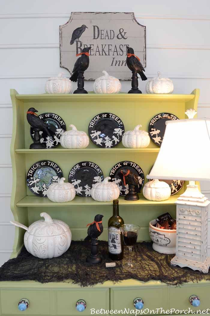 Halloween Crows and Pumpkin Tureens | Between Naps on the Porch.