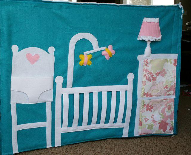 babykamer aan de binnenkant van de tent