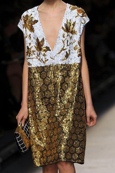 """vogue-is-viral: """" Dries Van Noten Ready-To-Wear Spring 2009 Details """" natasha1200-blog"""