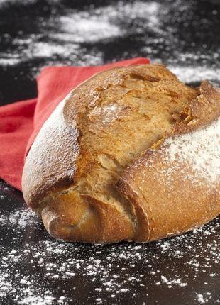 Pain sans gluten très facile et sans machine à pain! J'ai utilisé moitié farine de riz et sarrasin et j'ai rajouté des graines (lin, pavot, tournesol)!
