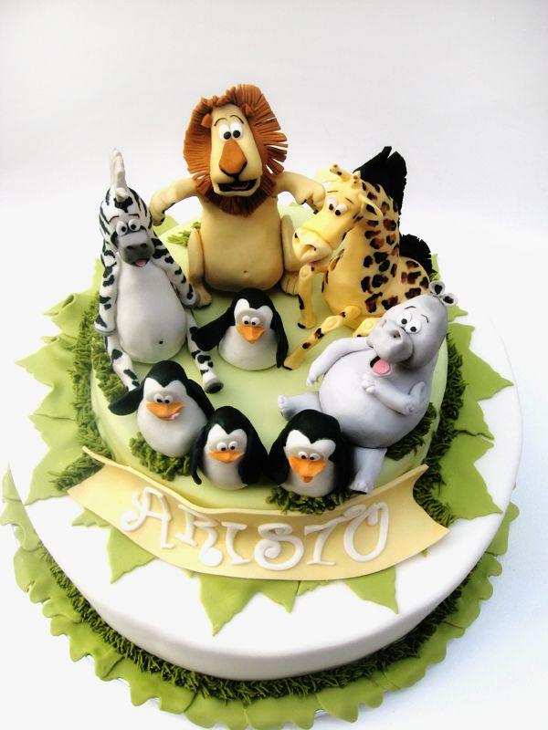 Madagascar character cake www.decorazionidolci.it Idee e strumenti per il #cakedesign
