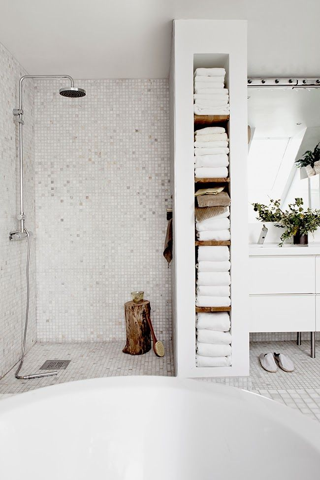 love this shower!: Open Shower, Ideas, Houses, Built In, Interiors, Shelves, Towels Storage, White Bathroom, Towel Storage