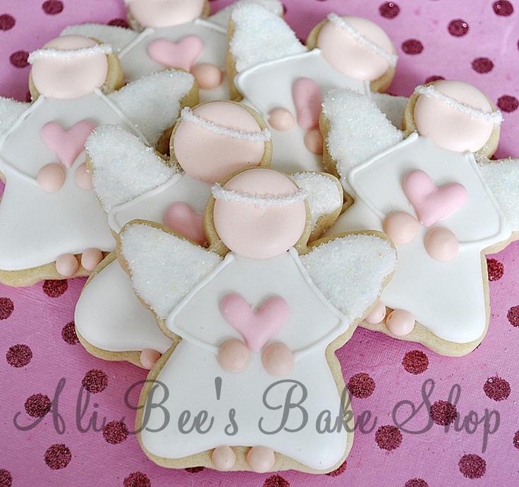 Cute way to decorate angel cookies