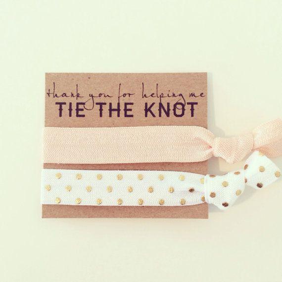 Haare Tie Brautdusche gefallen / / Creaseless elastische Hair Tie Armbänder, Hair Krawatten Armband gefallen, benutzerdefinierte Wedding Favor, Bachelorette Dusche