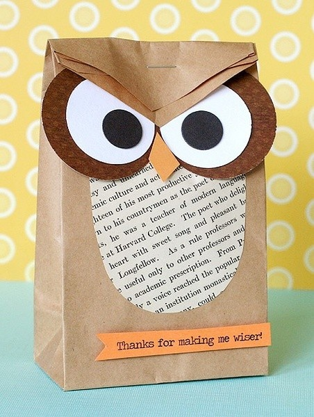 Cute owl paper bag for sending owl baby gifts!