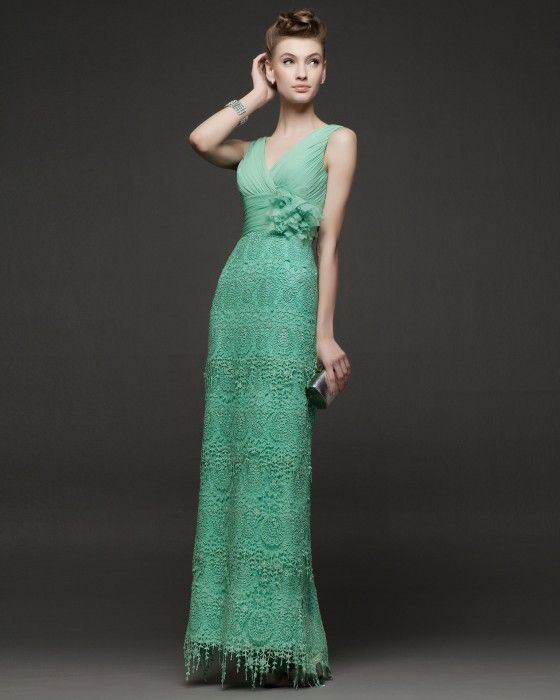 Rosa Clara coleccion Primavera verano, vestido encaje verde claro