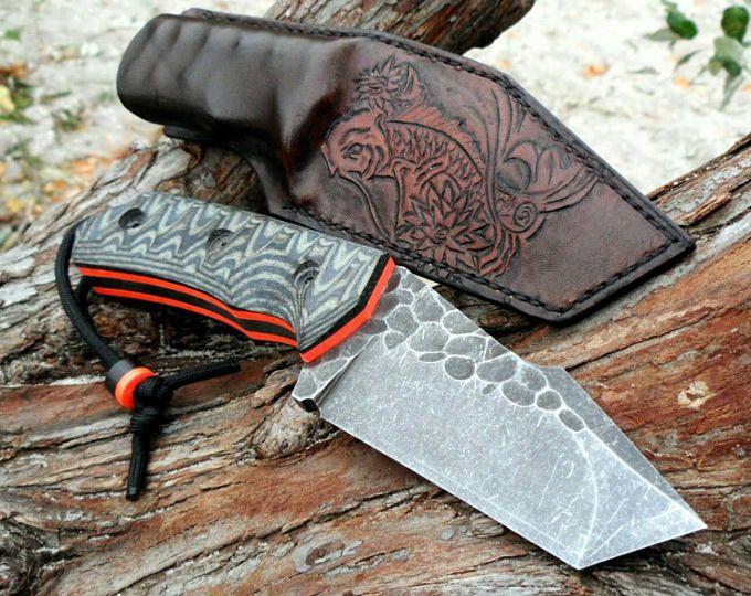 Cuchillo forjado de bushcraft. Cuchillo hecho a mano de acero al carbono 65G con funda de cuero. Cuchillo personalizado.