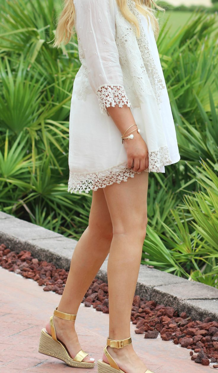 How adorable is this kimono? It's a must have!