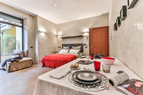 San Babila Suite - Le San Babila Suite propose un hébergement moderne sur la…
