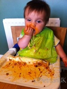 My top 5 reasons why I love baby led weaning, with cute photos! #babyledweaning #BLW
