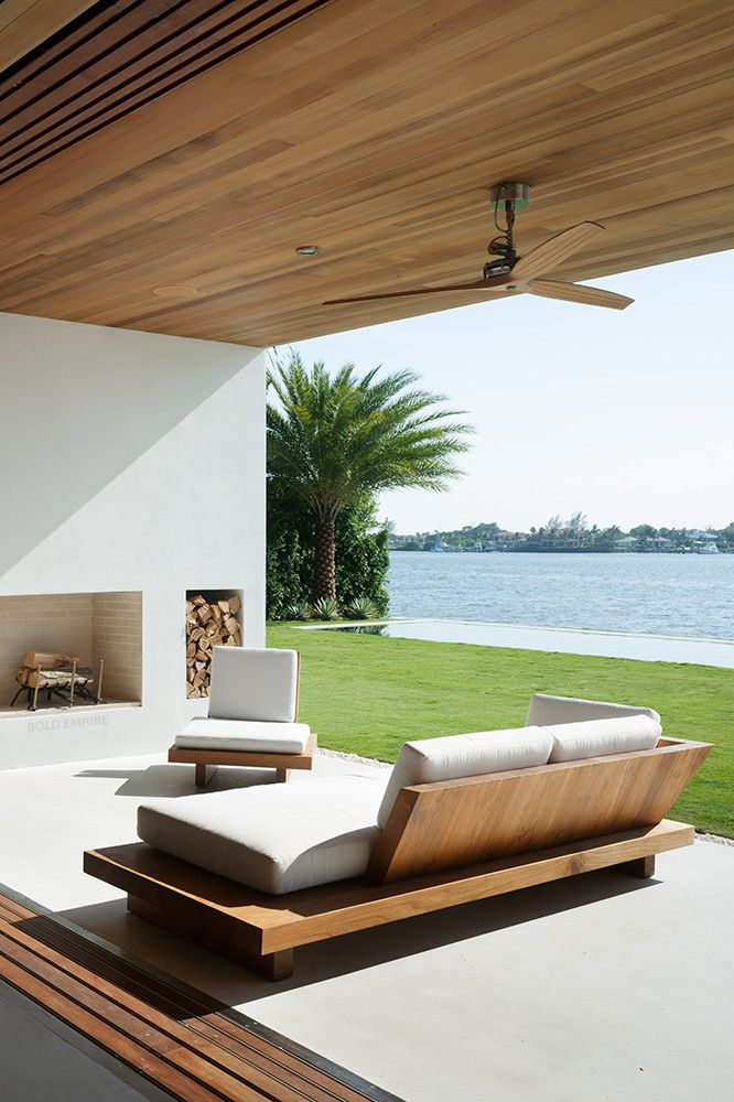 A wonderful architectural outdoor space needs very little to feel luxurious.