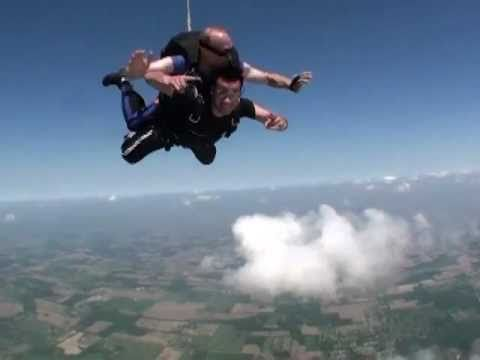Skydive video & parachute jump from an airplane