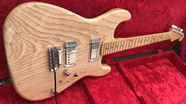 S71 Custom Shop Stratocaster natural Swamp Ash made in USA.