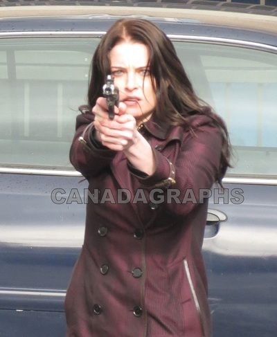 SERIES OF PIX - Continuum films scenes for season 3 with Rachel Nichols & Brian Markinson - CANADAGRAPHS