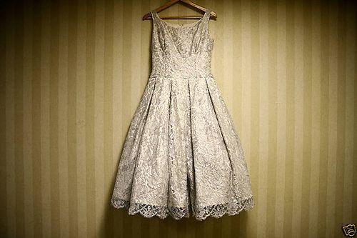 dress with brokat  way to modification ur kebaya =)