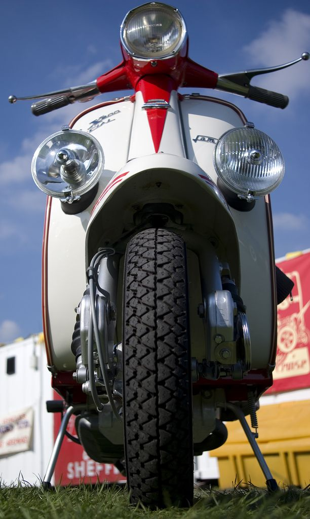 Lambretta SX200 | Photo by Sheffield Tiger via flickr