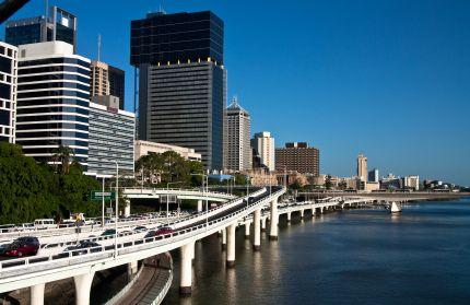 The Riverside Expressway in Brisbane Australia www.transfercar.com.au