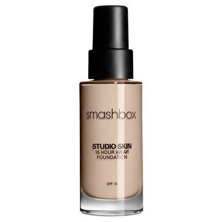 Lo que es:Una base de maquillaje hidratante, de larga duración yoil- free.Lo que hace:Esta fórmula hidratante de ...