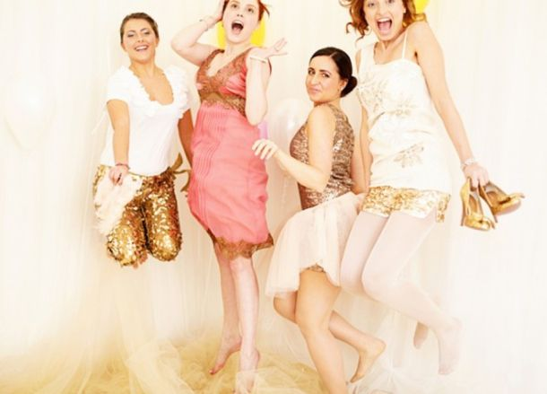 Hen Party Theme: Glitter & Glam.. so much stuff to pull ideas from!