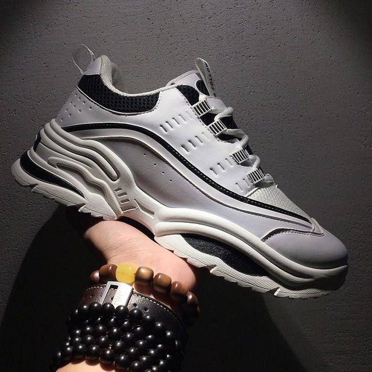 Sepatu Sneakers Running Pria Olahraga Bahan Atas Canvas Bahan