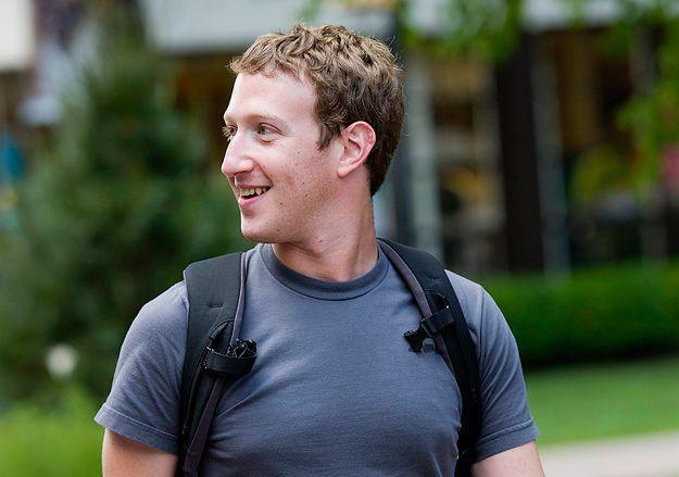 Качественные футболки миллиардеров - Какие качественные футболки носят богачи и почему они предпочитают эту одежду дорогим дизайнерским костюмам? Почитай про качественные футболки миллиардеров.