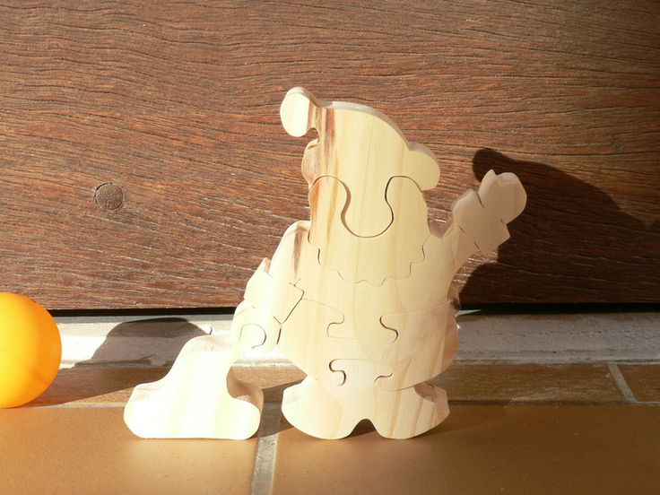 le PERE NOEL en bois découpé  jeux de construction  le bois  ~ Decoupe De Bois