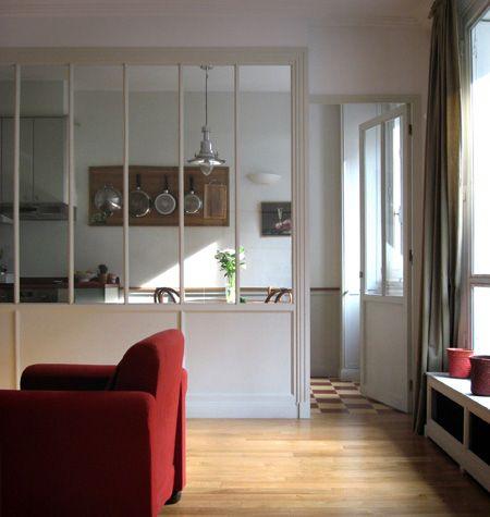 verrière intérieur entre une cuisine et un salon
