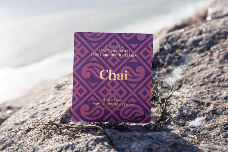 50% Chai raw chocolate. Traditional chai spices blended together with smooth and creamy chocolate creating a fragrant, exotic flavor  experience from India.  INGREDIENTS: cacao bean*, coconut palm sugar*, cacao butter*, coconut flakes*, cashew nut*, cinnamon*, cardamom*, ginger*, turmeric*, black pepper*. *organic  Raw chocolate, minimum 50% cacao content.   Store in a cool, dry place. Dairy-free, gluten-free and soy-free.