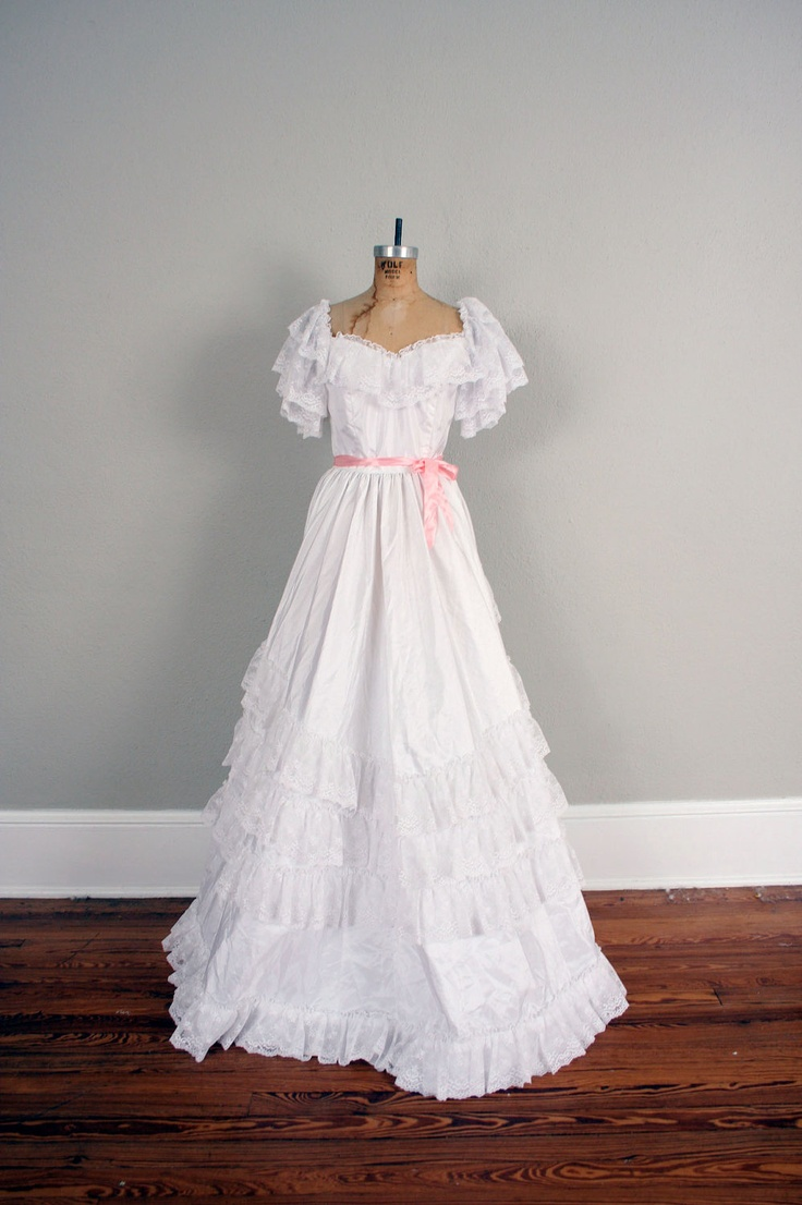 wedding dress vintage wedding gown in lace southern