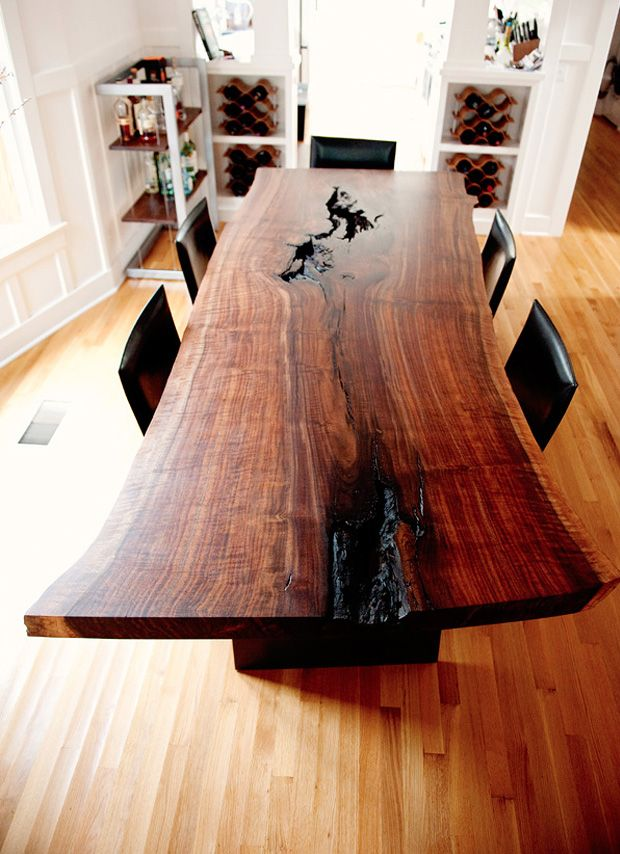 Beautiful wood dining table.. could match the kitchen.