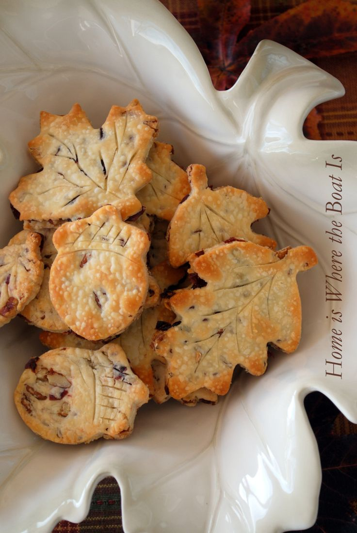 Cranberry-Pecan Pie Crust Leaves by homeissheretheboatis: Great for leftover pie crust! #Pie_Crust_Leaves