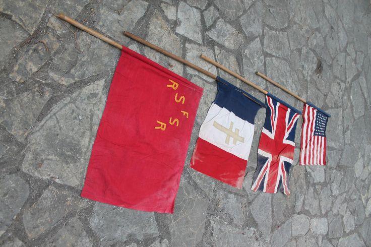 Drapeaux de la liberation Américain, Russe, Anglais, Français