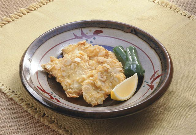 白身魚のアーモンドフライ