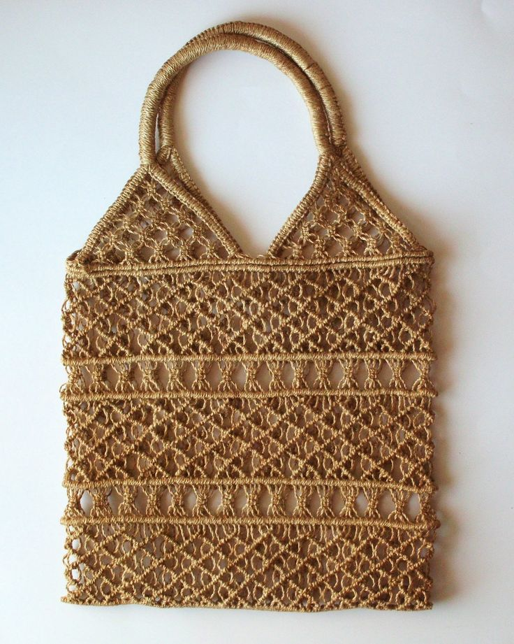 Vintage Macrame Tote Bag. i want to be crazy and make a macrame bage for myself! i want one!