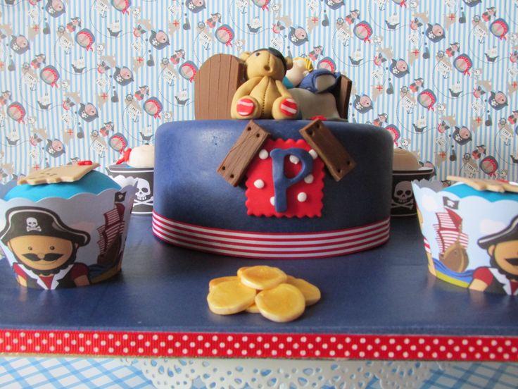 Pirate Dreams - Cake for shop window display.- exposto na loja Arte e Bolos, rua 5 de Outubro, Funchal