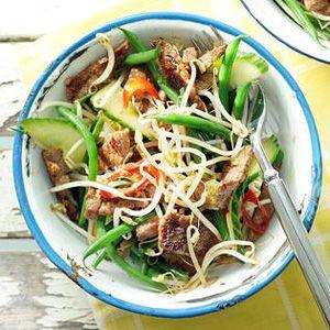 Recept - Thaise biefstuksalade met komkommer - Allerhande
